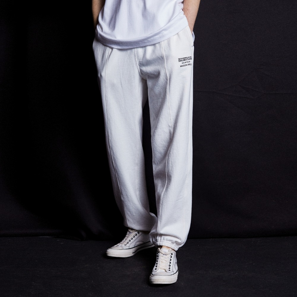 (DALMATIANS)WIDE FIT SWEAT JOGGER PANTS IVORY메종미네드 MAISON MINED 메종미네드